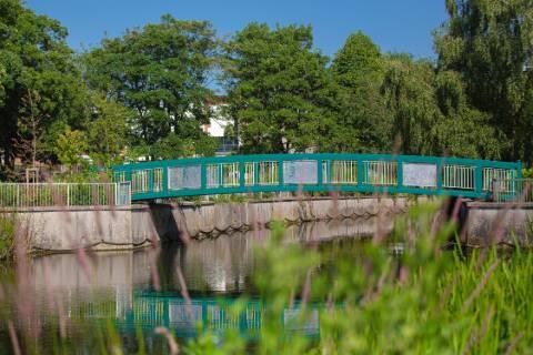 Central Park bridge art