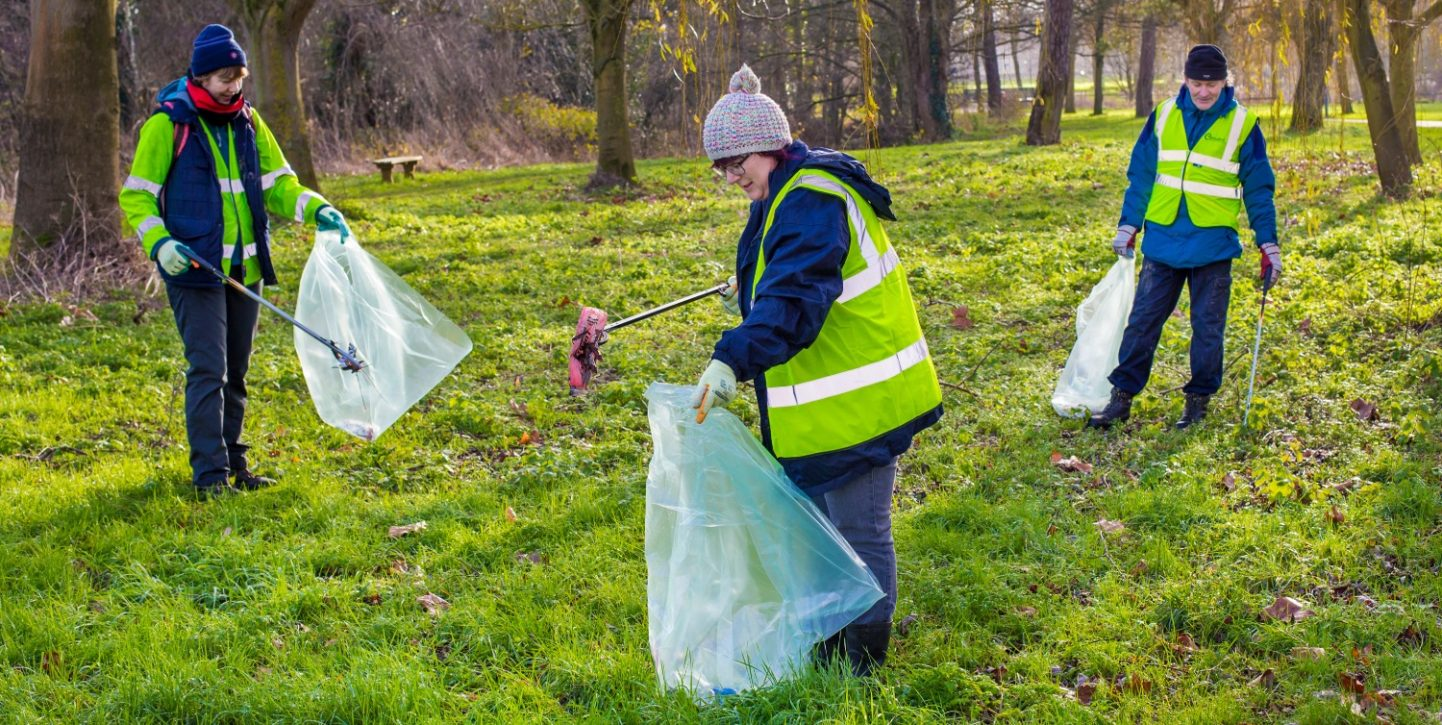 litter picking love your chelmsford